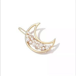 Accessories - ✨Gold Crescent Moon Pearl Hair Clip✨